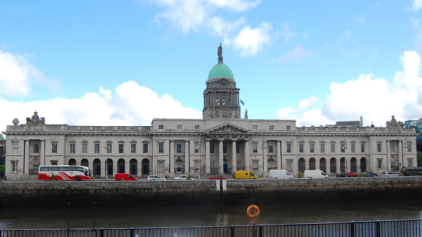 Conhecendo a Irlanda: The Custom House