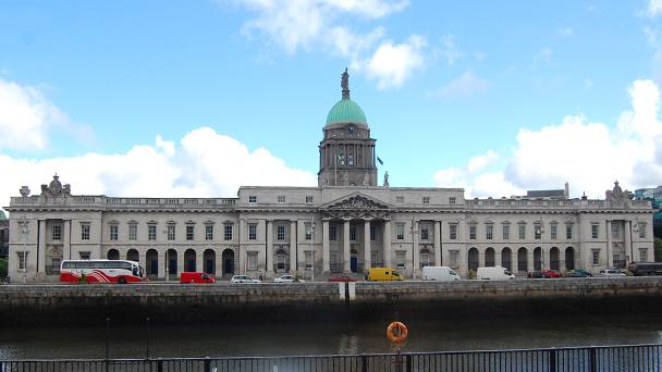 Conhecendo a Irlanda: The Custom House