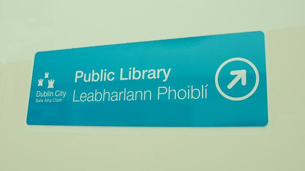 Se virando em Dublin: Biblioteca Pública