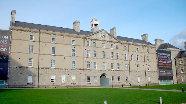 Conhecendo a Irlanda: Museum of Decorative Arts and History